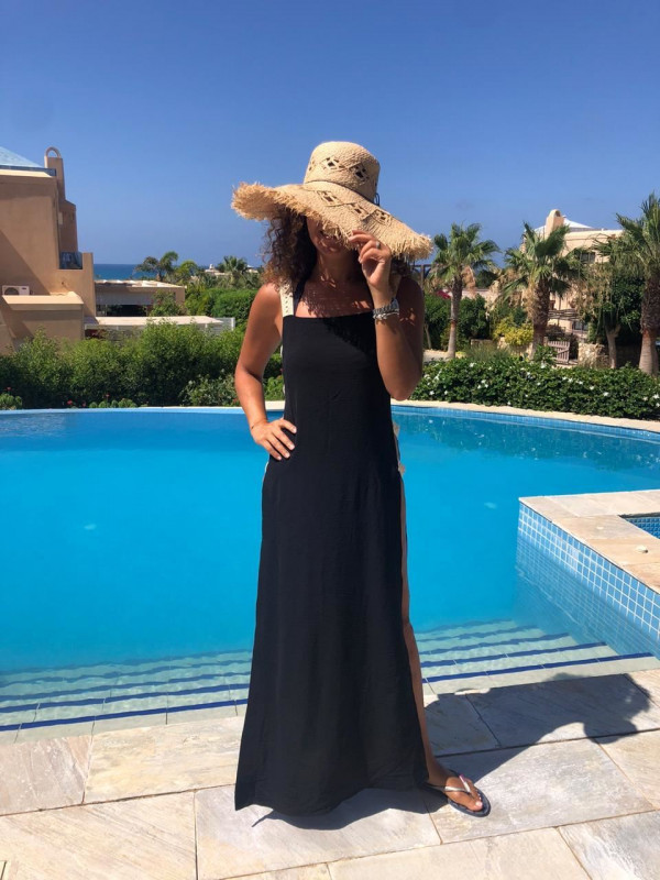 0001648 backless maxi dress in black