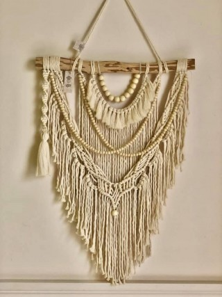 Macrame wall hanging with woodwn beads
