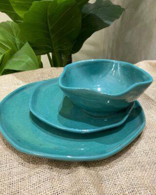 Green tableware set