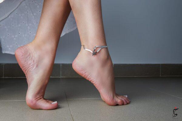 Hob Anklet worn scaled