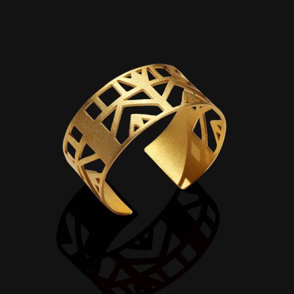 Small lotus bracelet matt gold plated 18ks scaled