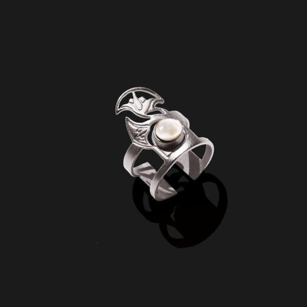 lotus ring with stone matt platinum plated scaled