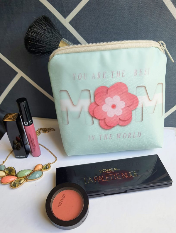 mom make up pouch
